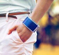 SolarHug charging bracelet