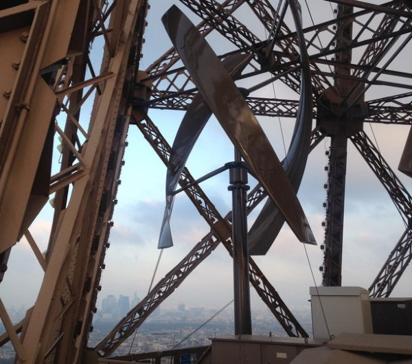 Wind turbine - Eiffel Tower