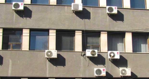 Air conditioning and electricity consumption