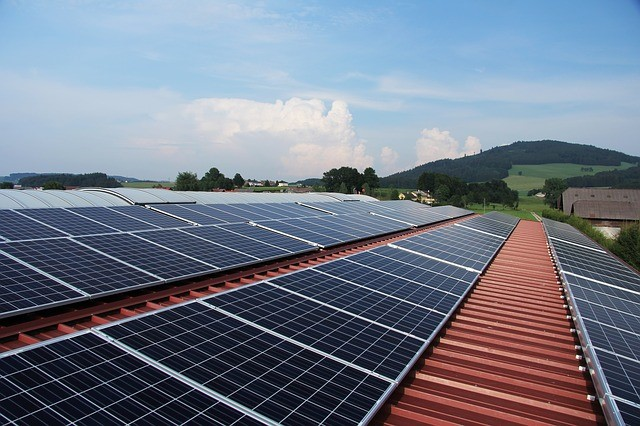 Rooftop solar: solar power impacts grid