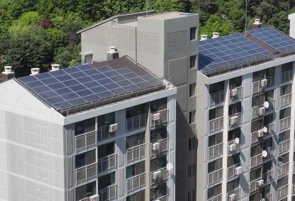 apartment solar energy panels: Sydney apartment block becomes own solar energy retailer.