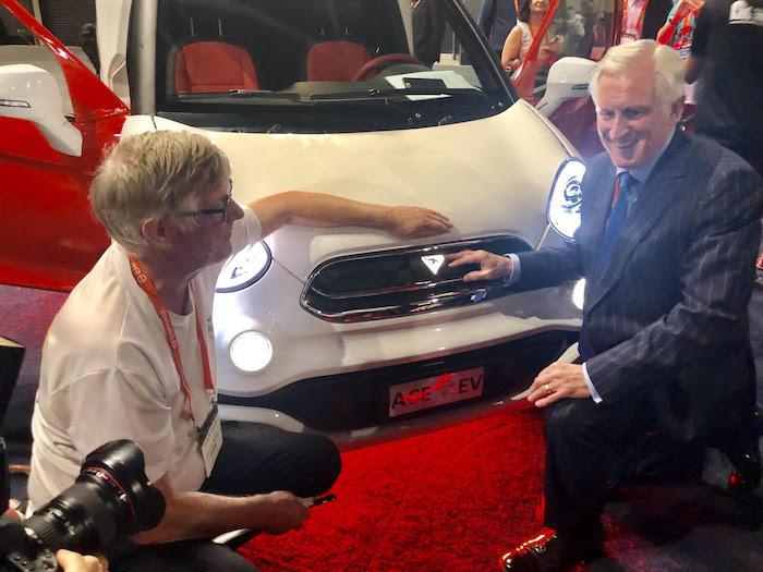 John Hewson, former Federal Opposition leader endorsing ACE Australian Electric Vehicle at SEC 2019
