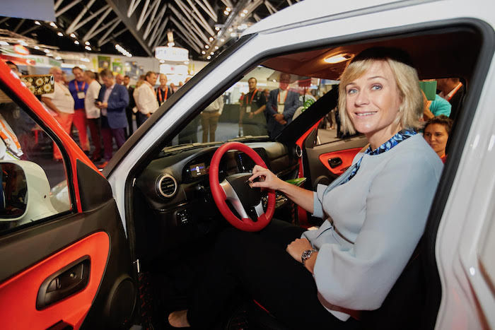 Zali Steggall, independent politician endorsing ACE Australian Electric Vehicle at SEC 2019